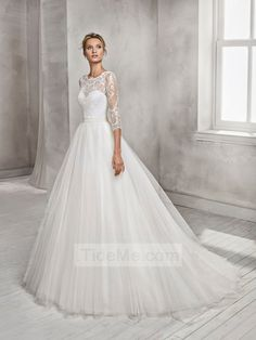 Ball gown boat neck tulle