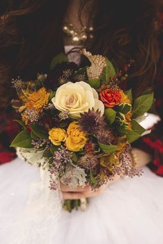 Fall bridal bouquet | CiogiArt Lifestyles Photography