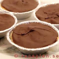 Kakor liknande mazariner med mandel och choklad Bread Cake, Fika, Muffin, Pudding, Sweets, Cookies, Breakfast, Desserts, Room