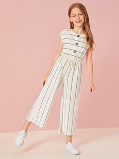 To find out about the Girls Buttoned Tie Front Wide Leg Striped Jumpsuit at SHEIN, part of our latest Girls Jumpsuits ready to shop online today! Dresses Kids Girl, Kids Outfits Girls, Cute Girl Outfits, Cool Outfits, Girls Fashion Clothes, Tween Fashion, Fashion Outfits, Gothic Fashion, Kids Mode
