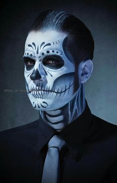Halloween style!! Incredible Halloween makeup!