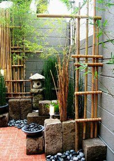 Un mini jardin zen dans un coin de terrasse ou de patio.