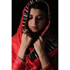 Nimrat Khaira, Punjabi Fashion, Hijab Fashion, Embroidery Suits Punjabi, Punjabi Actress, Indian Photoshoot, Kamiz, Couple Photography Poses, Girl Hijab