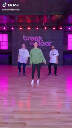 Hip Hop Dance Videos, Dance Music Videos, Dance Choreography Videos, Cool Dance Moves, Dance Tips, Funny Video Memes, Funny Short Videos, Charlie Video, Street Dance