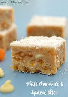 Easy Apricot and White Chocolate Slice Easy White Chocolate and Apricot Slice. Lunchbox Snack, no bake and Thermomix instructions included. Chocolate Slice, White Chocolate, Apricot Slice, Lemon Slice, Cake Pops, No Bake Slices, Yummy Snacks, Sweet Recipes, Cake Recipes