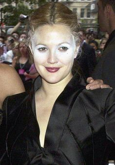 Celebrity make-up fails: The powder files. why the hell don't celebrities look in the fucking mirror when the make-up person is done with them??