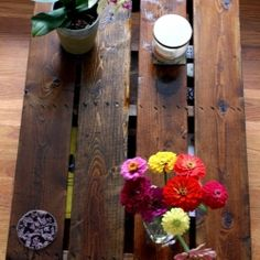DIY Pallet Coffee Table- would work for sideboard or behind couch