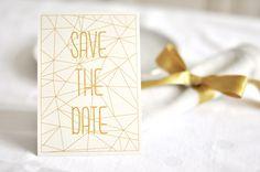 Einladungskarten für die Hochzeit in Goldener Geometrie / wedding invitations, gold and geometrical by Hochzeitskartendesign via DaWanda.com