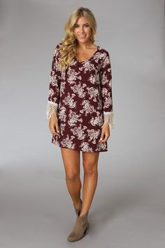 Burgundy-Paisley-Printed-Crochet-Trim-Sleeve-Dress #fashion #style #outfitinspiration #cuteoutfits #cuteaffordabledresses #falloutfits #falltrends