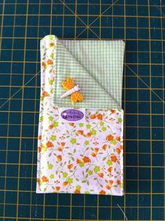 Porta Celular...pode ser feito em diversos tamanhos! Feito em tecido 100% algodão e manta resinada! Frete não incluso! R$15,00