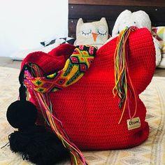 Mayan Morral Bag tassel by Otomiartesanal. Maya, Margarita, Ashley Johnson, Bag Crochet, Weaving Techniques, Small Boxes, Hand Knitting, Etsy, Tassels