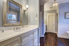 23 Master Bathrooms With Two Vanities - Page 2 of 5