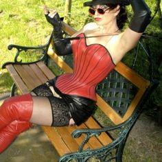 she is perfekt in corset