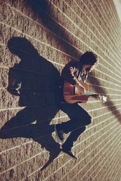 """""""Shadow Portraits"""" 25 Remarkable Examples Of Shadow Photography Musician Photography, Shadow Photography, Band Photography, Surrealism Photography, Creative Photography, Photography Ideas, Acoustic Guitar Photography, Photomontage, Pub Radio"""