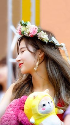 Sana - Twice Kpop Girl Groups, Korean Girl Groups, Kpop Girls, Nayeon, Extended Play, Tzuyu And Sana, Sana Cute, Divas, Sana Momo