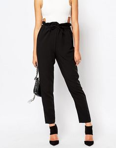 http://www.asos.fr/missguided/missguided-pantalon-fusele-a-taille-haute-froncee/prd/6207956?sort=-1