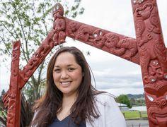 In one day with her kaumatua (elder) on the southern shores of Lake Taupō, Yvonne Taura (Ngāiterangi, Ngāti Ranginui, Ngāti Hauā, Ngāti Uenuku, Ngāti Tūwharetoa) found her future career ambition was to raise awareness in restoring New Zealand's wetlands back to health. Now a kairangahau Māori (Māori researcher) at Manaaki Whenua Landcare Research in Hamilton... Science Topics, Science Resources, Future Career, World View, Career Path, Creative Art, How To Become, Ambition, Hamilton