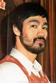 Bruce Lee, Hong Kong American martial artist, actor, filmmaker, & founder of Jeet Kune Do. #MysticManBeard #rarephoto