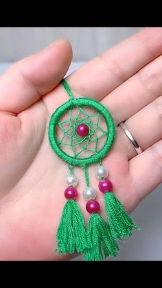 Diy Crafts Jewelry, Diy Crafts For Gifts, Diy Arts And Crafts, Creative Crafts, Yarn Crafts, Dream Catcher Craft, Diy Dream Catcher For Kids, Making Dream Catchers, Dream Catcher Patterns