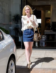 Elle Fanning is seen on July 2015 in Los Angeles, California. Ellie Fanning, Dakota And Elle Fanning, Curvy Outfits, Fashion Outfits, Womens Fashion, Fashion Trends, Wardrobe Images, Gamine Style, Cecile