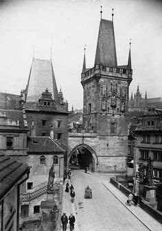 Tower of Charles Bridge (Karluv most) at the Lesser Quarter (Malá Strana) of Prague, Bohemia, the Czech Republic, photographer unknown, c. Old Pictures, Old Photos, Europe Day, Prague Czech Republic, Old Photography, Budapest, Charles Bridge, Castle, Barcelona Cathedral