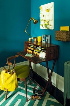 Office Nook // Don't be fooled into thinking you have to use light neutrals in a tiny room. Dark hues work surprisingly well for small spaces. Temper their impact by pairing with a lighter shade or rich accent colour. Estilo Interior, Small Space Interior Design, Office Nook, Yellow Walls, Blue Yellow, Golden Yellow, Dark Blue, Wall Paint Colors, Blue Rooms