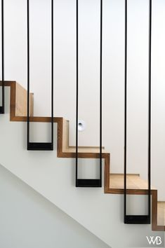 Staircase Design Modern, Staircase Railing Design, Modern Railing, Home Stairs Design, Stair Handrail, Home Room Design, Home Interior Design, Interior Architecture, Stair Design