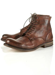 There's something I love about a nice pair of boots, especially a classic looking pair like this.