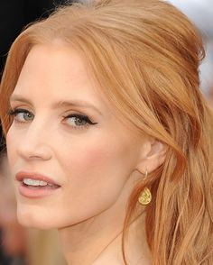 jessica chastain- really thinking of dying my hair that color!!!