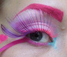 Lovely pinks could mix black mascara in. Kate Makeup, Eye Makeup Designs, Go Pink, Pink Purple, Creative Eye Makeup, Fake Eyelashes, Crazy Hair, Costume Makeup, Colorful Makeup