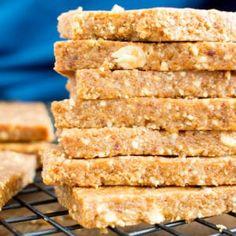 4 Ingredient No Bake Peanut Butter Cookie Energy Bars (V, GF, DF): an easy recipe for simple salty 'n sweet energy bars that taste like PB cookies!