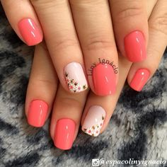 Nail art Christmas - the festive spirit on the nails. Over 70 creative ideas and tutorials - My Nails Coral Nails, Flower Nails, Cute Acrylic Nails, Short Nails, Spring Nails, Toe Nails, Nails Inspiration, Beauty Nails, Pretty Nails