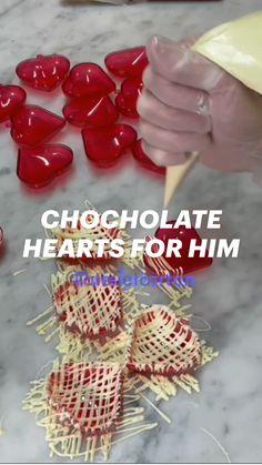 Hot Chocolate Gifts, Chocolate Hearts, Chocolate Shop, Chocolate Recipes, Cake Decorating Videos, Cake Decorating Techniques, Cookie Decorating, Fun Baking Recipes, Homemade Cake Recipes