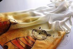 Ručne maľovaná hodvábna šatka. Materiál 100% hodváb, pongé 5, použitá hnedá a zlatá kontúra. Farby sú stále pri praní i žehlení....