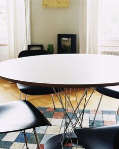 Plywood Group DCM - Black - Designed by Charles and Ray Eames in 1945. They achieved this with the chairs in the Plywood Group, which have matured into classics with an appearance that still looks contemporary today. For the Plywood Group, they also combined the seats and backs with different bases. Thanks to the organic shape of the plywood shells and the slightly flexible backrests, these light and compact chairs are extremely comfortable – also in the versions without upholstery.