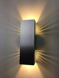 SpiceLED®-Wandleuchte warmweiß de alta potência Wandlampe Leuchte LED Effekt by Divonsir Borges Lampe 3d, Diy Lampe, Cool Lighting, Modern Lighting, Lighting Design, Lampe Industrial, Luminaria Diy, Blitz Design, Deco Led