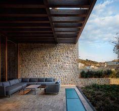 Ramón Esteve diseña una casa de pueblo - diariodesign.com Rural House, Outdoor Spaces, Outdoor Decor, Architecture Design, Pergola, Exterior, Patio, Traditional, Mansions