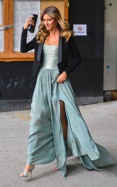 Gisele Bundchen Photos: Gisele Bundchen Leaving Her Hotel In New York City