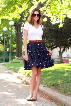 What I Wore: City Streets, Jessica Quirk, Navy Polka Dots. Skirt Outfits, Casual Outfits, Cute Outfits, Look Fashion, Fashion Outfits, Womens Fashion, Outfit Vestidos, Summer Outfits Women, Look Chic