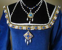"""Tudor bodice """"Anne Boleyn Gown"""" from : http://www.tudortalkandcatwalk.com/anne-boleyn-gown-4/"""