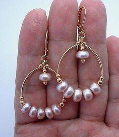 Gold standard: incorporating gold in jewelry projects Bead Jewellery, Pearl Jewelry, Wire Jewelry, Jewelry Crafts, Jewelry Art, Beaded Jewelry, Fashion Jewelry, Jewelry Design, Jewlery