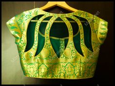 F you're wondering about the latest lehenga blouse designs, you've reached the right spot. A designer lehenga blouse can make your look fresh from fashion couture and stunning. Saree Blouse Neck Designs, Fancy Blouse Designs, Choli Blouse Design, Choli Back Design, Indian Blouse Designs, Cutwork Blouse Designs, Choli Designs, Saree Blouse Patterns, Saris