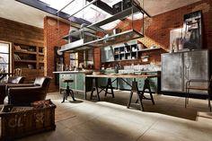 倉庫カフェ風がオシャレすぎる!海外のインダストリアルなキッチン | SCRAP