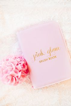 Add some GLAM to your beauty routine! The Pink Glam Brush Book is the perfect way to keep your glam beauty brushes clean, organized and easy to access! Each Pink Glam Brush Book: ♥ includes 25 glam ma