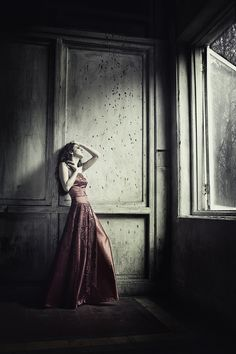 I just love these kind of photos, simple, elegant dress and some feeling in there