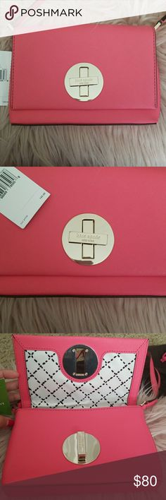 Kate spade cross body bag NWT Love this purse but I never get  chance to wear it Its 100%authentic. I'm not a fun of replica👎 Comes with dust bag. Please look closely to metal hard ware in the front. It has minor scratches kate spade Bags Crossbody Bags