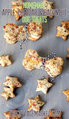 Homemade Dog Treats that your dog will go wild for! These Homemade Apple, Cheddar and Bacon Bit Dog Treats will make them jump. roll over and doggie smile! They are simply delicious and your dog will thank you with tons of kisses! Puppy Treats, Diy Dog Treats, Homemade Dog Treats, Healthy Dog Treats, Bacon Dog Treats, Dog Biscuit Recipes, Dog Treat Recipes, Dog Food Recipes, Recipes Dinner