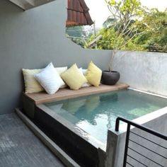 Uma piscina pra chamar de sua, mesmo que o espaço... | Arquitetando Ideias