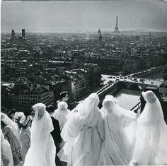 Paris, late 1950s, by Robert Doisneau.