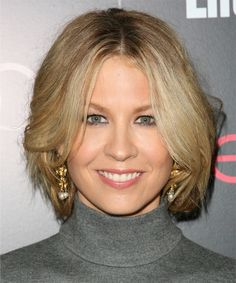 View yourself with Jenna Elfman hairstyles and hair colors. View styling steps and see which Jenna Elfman hairstyles suit you best. Blonde Bob Haircut, Blonde Haircuts, Haircuts For Long Hair, Bob Haircuts, Hairstyle Short, Hairstyle Ideas, Hair Ideas, Layered Bob Hairstyles, Straight Hairstyles